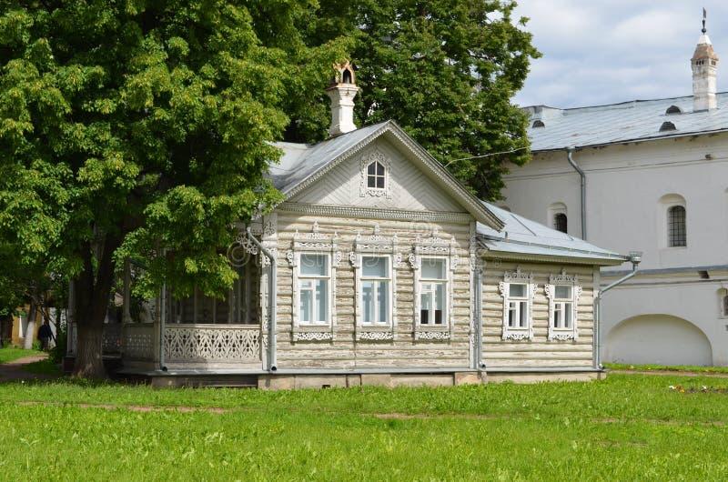 Inre Vologda för gammalt trähus Kreml Ryssland arkivbilder
