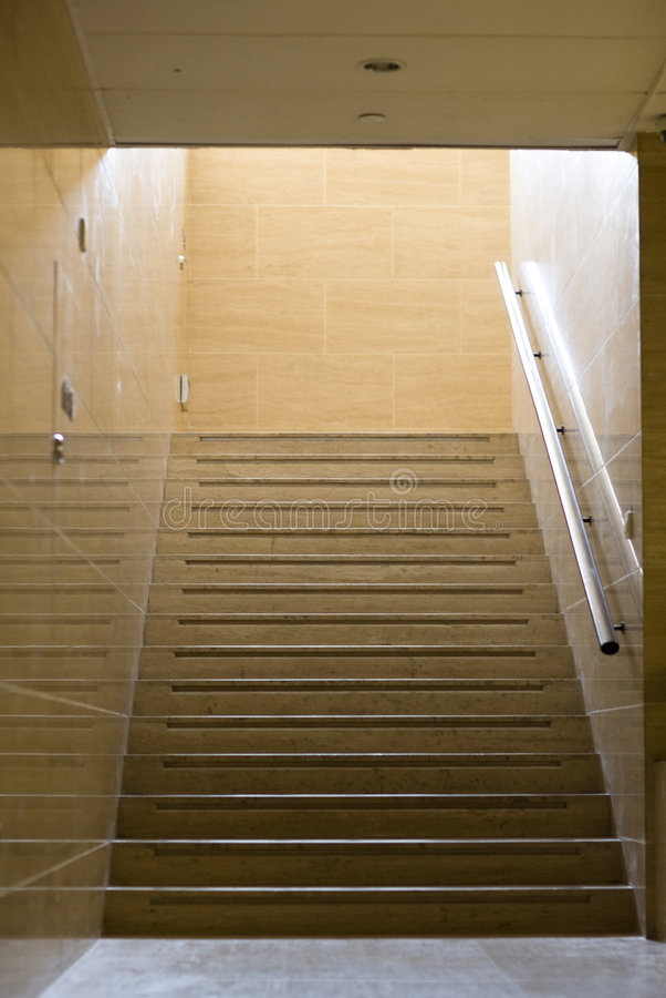 inre walkway arkivfoton