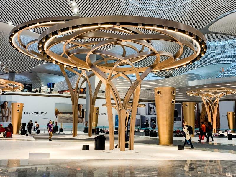 Inredesign av de nya flygplatsISTNA som öppnade och byter ut nytt Ataturk den internationella flygplatsen Istanbul/Turkiet - Apri fotografering för bildbyråer