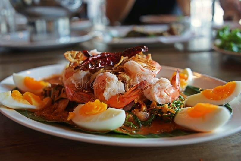 Insalata acida e piccante, piatto tailandese fotografia stock
