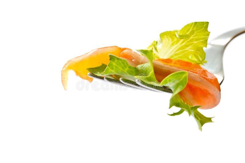 Insalata con i salmoni salati fotografie stock