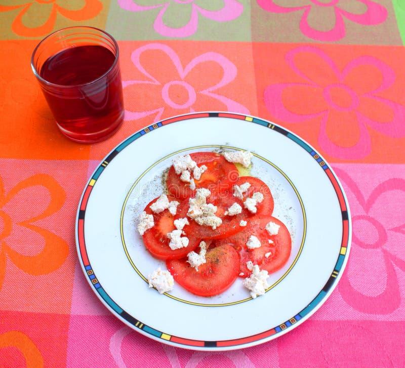 Insalata dei pomodori con formaggio fotografie stock