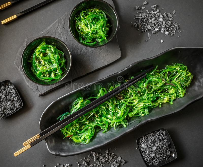 Insalata dell'alga o Chuka Wakame fotografia stock