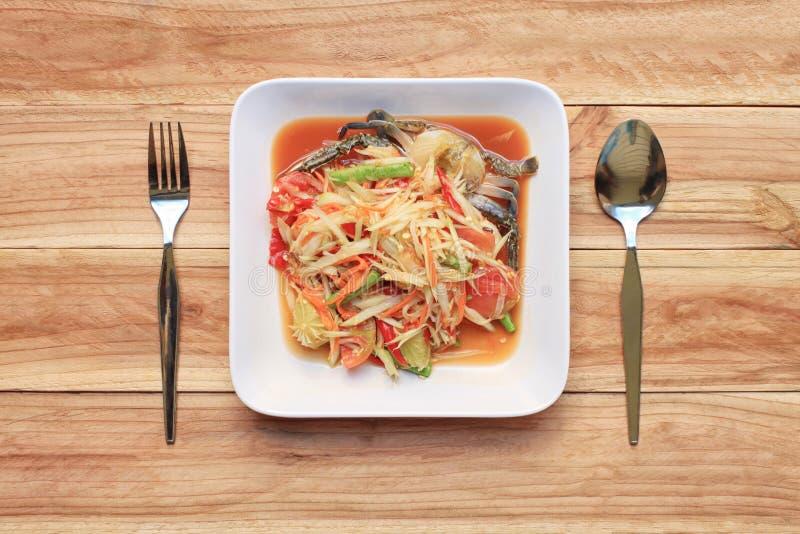 Insalata della papaia di vista superiore del somtum nello stile tailandese dell'alimento per i Di di progettazione immagini stock