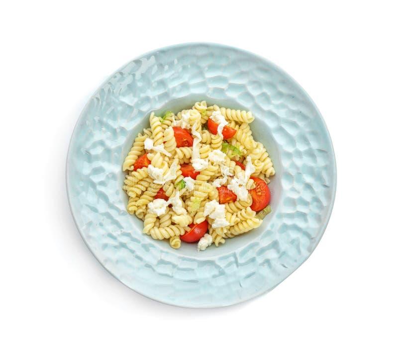 Insalata di pasta saporita con i pomodori ed il formaggio immagini stock libere da diritti
