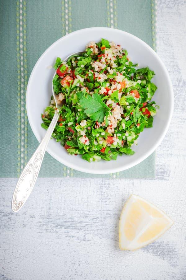 Insalata di tabulé della quinoa immagini stock libere da diritti