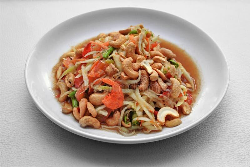 Insalata di verdure mista piccante ed acida popolare tailandese di ricetta, con la p fotografie stock