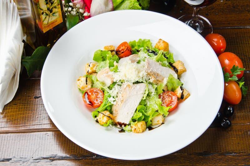 insalata fresca servita Ceaser fotografie stock libere da diritti