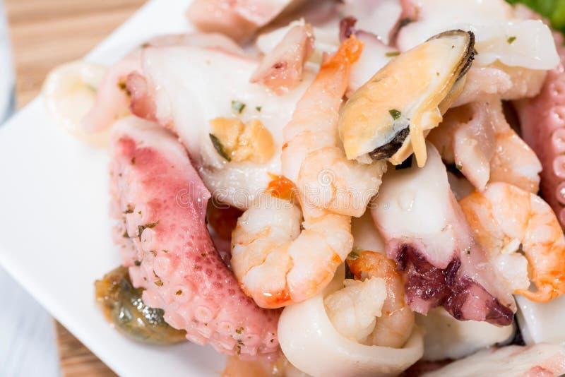 Insalata mista dei frutti di mare immagini stock