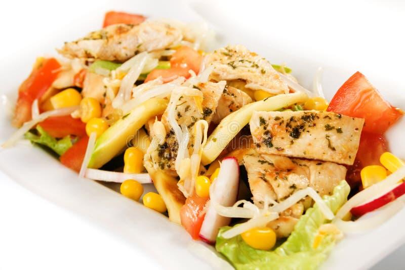Insalata squisita della verdura e del pollo fotografia stock