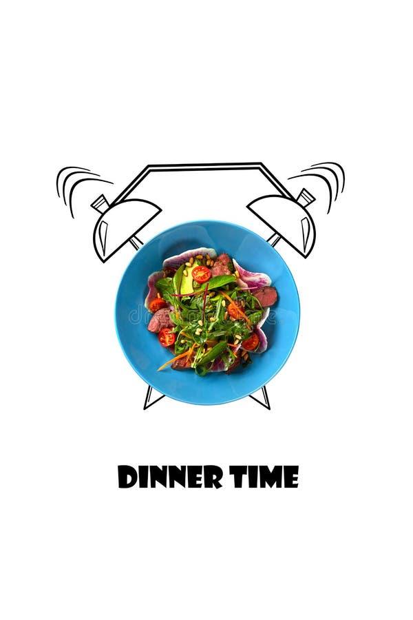Insalata sul piatto con la sveglia Concetto di tempo di cena Illustrazione dell'alimento isolata su fondo bianco immagini stock