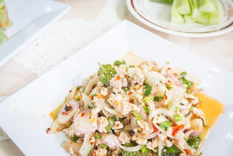 Insalata tritata piccante della carne di maiale, alimento tailandese fotografie stock libere da diritti