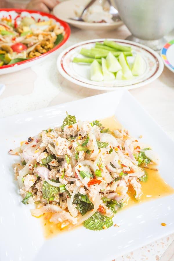 Insalata tritata piccante della carne di maiale, alimento tailandese fotografia stock libera da diritti