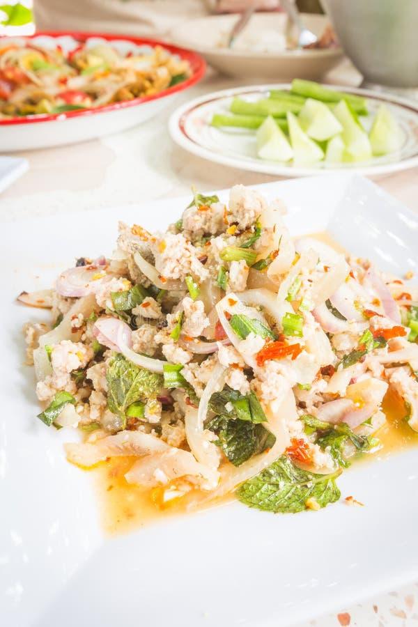 Insalata tritata piccante della carne di maiale, alimento tailandese fotografie stock