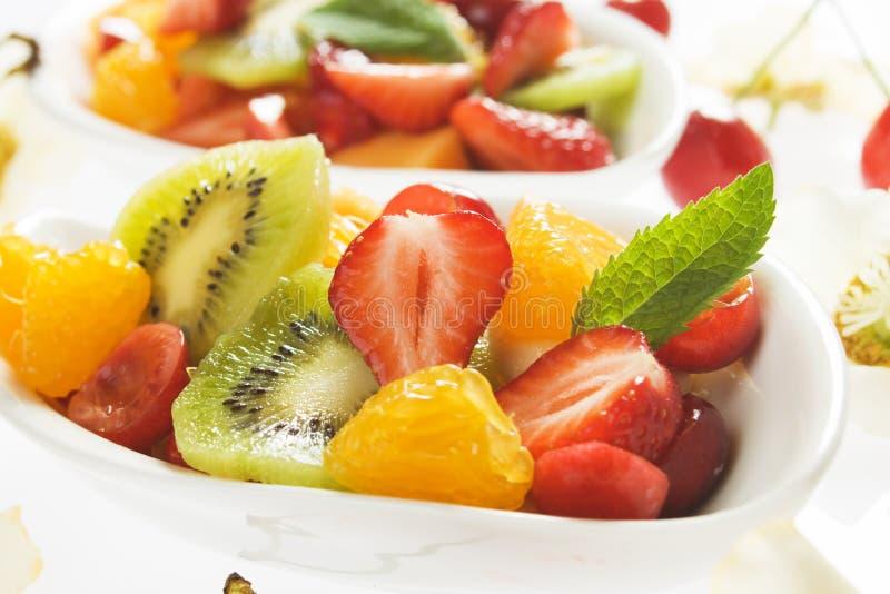Insalata variopinta della frutta fresca immagine stock