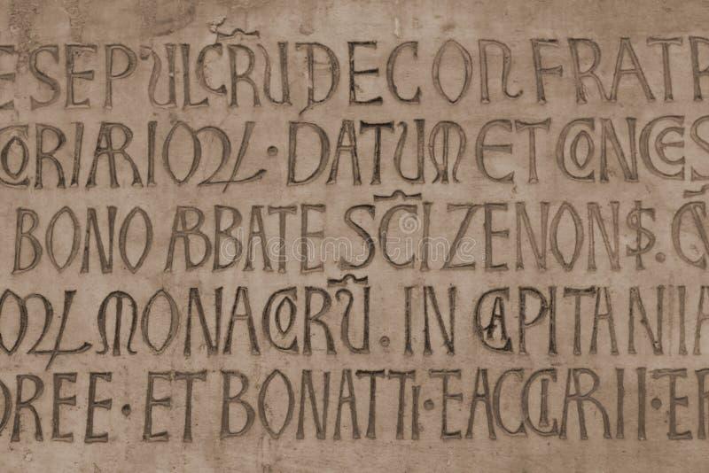 Inscrição do catholic do latino medieval imagens de stock