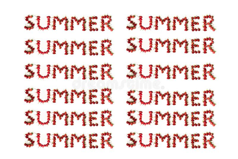 Inscrição do verão, alinhada das morangos em um fundo branco, vista superior Teste padr?o imagem de stock