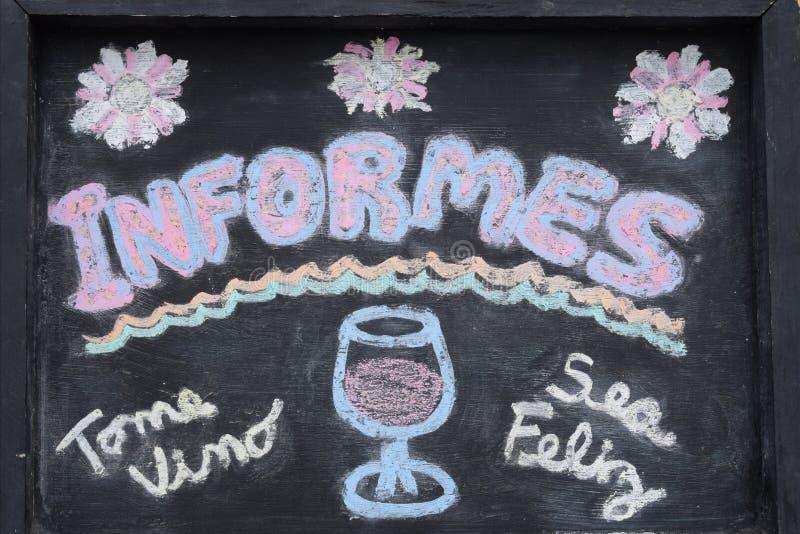 Inscrição no espanhol para restaurantes e barras, relatórios; Vinho da bebida e para estar feliz fotografia de stock royalty free