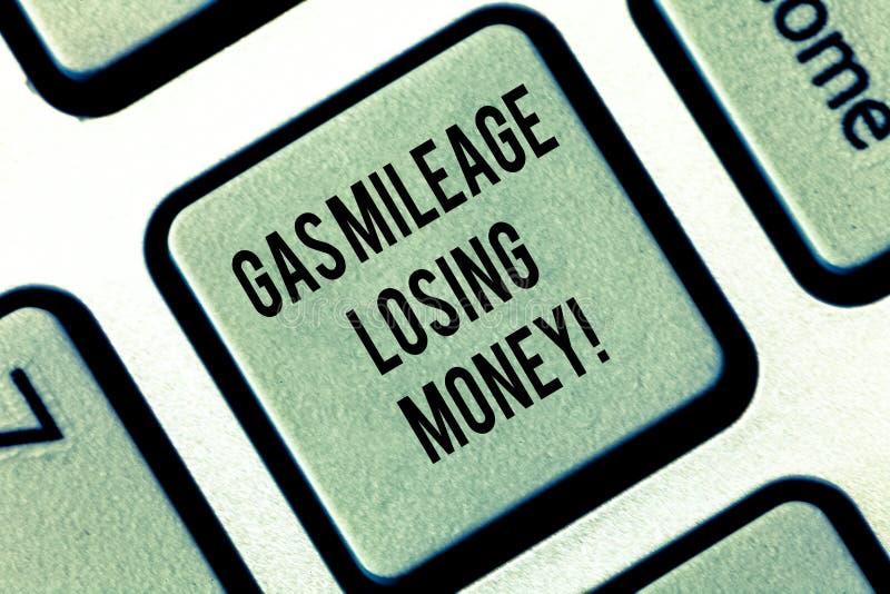 Inscription de la note montrant l'argent de perte de kilométrage du gaz Photo d'affaires présentant des pertes financières élevée photo stock