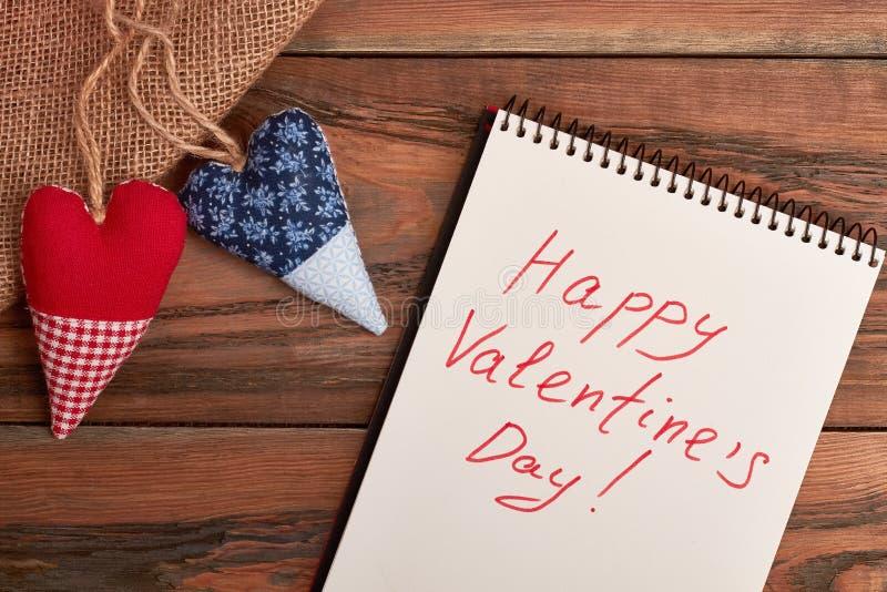 Inscription heureuse de salutation de jour du ` s de Valentine images stock