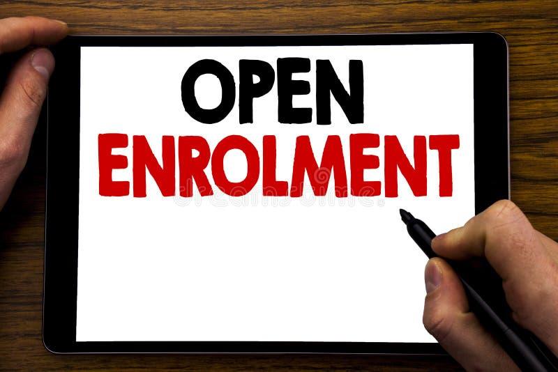 Inscription ouverte d'apparence des textes d'annonce d'écriture Concept d'affaires pour docteur Enroll Written de médecine sur l' images libres de droits