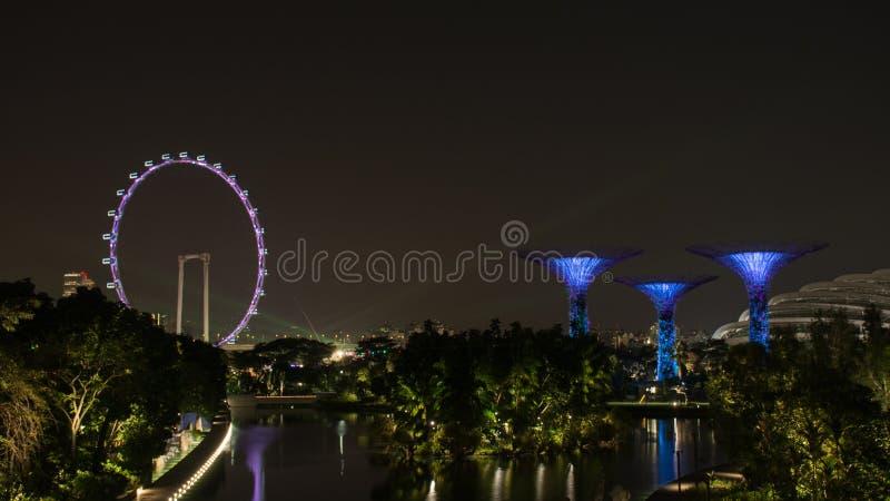 Download Insecte De Singapour Et Arbre Superbe Photo stock éditorial - Image du symbole, horizon: 87703728