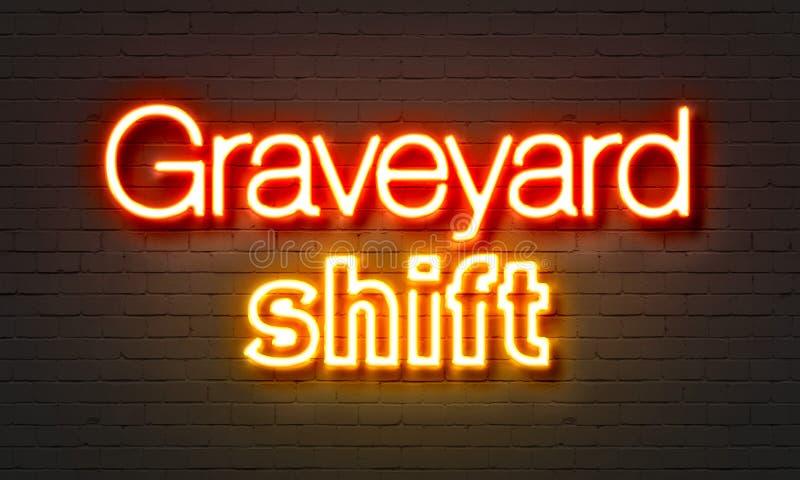 Insegna al neon dello spostamento di cimitero sul fondo del muro di mattoni immagini stock