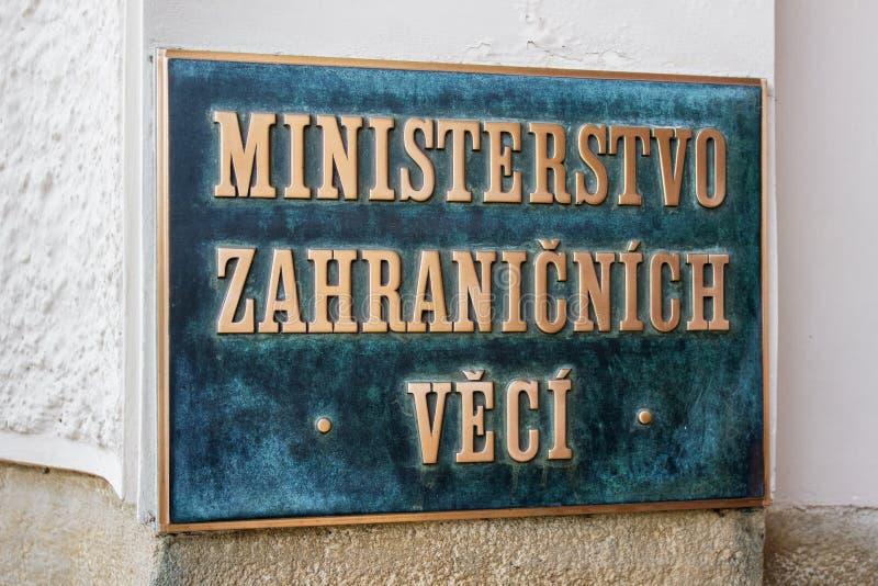 Insegna con il ministero di affari esteri di parole scritto nella lingua ceca fotografie stock libere da diritti