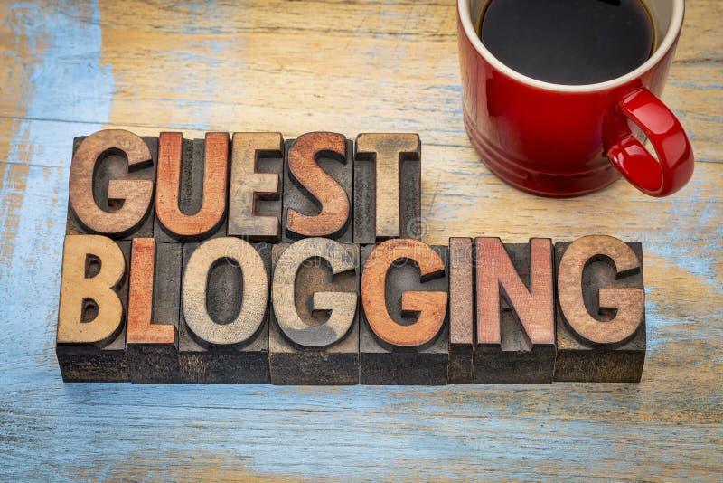 Insegna di blogging dell'ospite fotografia stock
