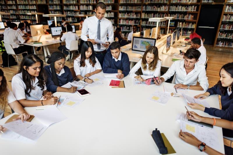 Insegnante Library Test Concept di studio degli studenti immagini stock libere da diritti