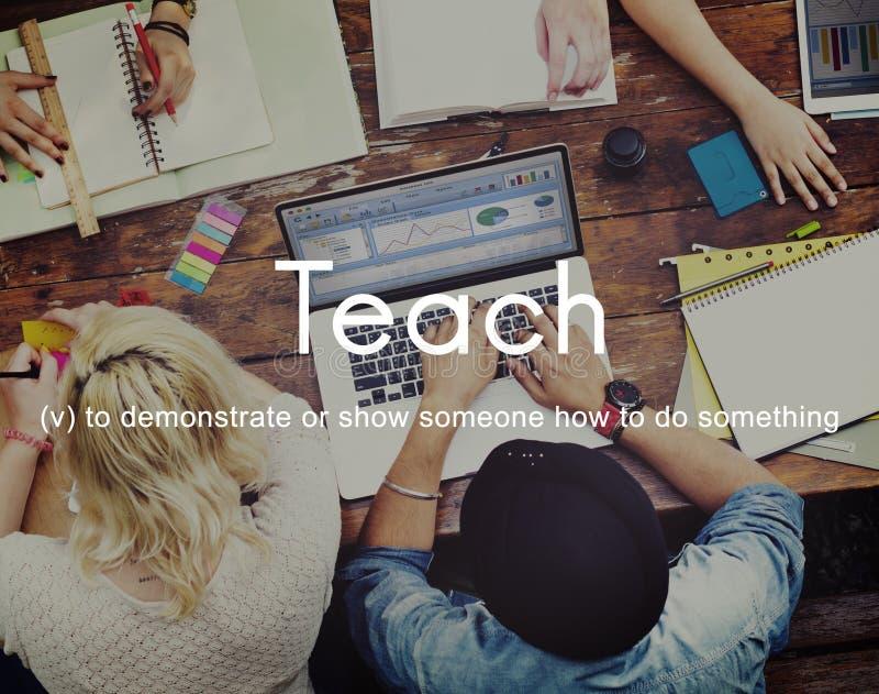Insegni al concetto di preparazione d'istruzione di addestramento di guida di istruzione fotografie stock
