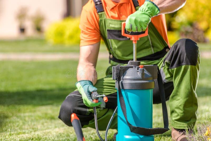 Insektenvertilgungsmittel-Spr?hausr?stung stockbilder