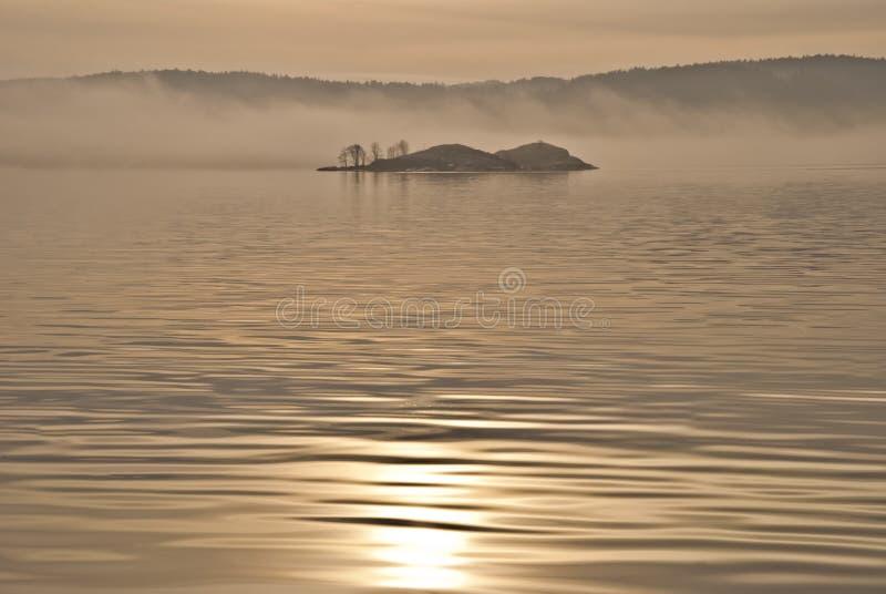Insel im Nebel. (3) stockfoto