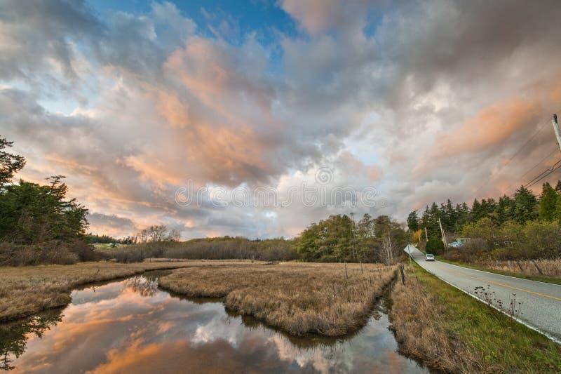 Insel Slough bei Sonnenuntergang stockbilder
