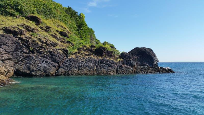 Insel und Meer lizenzfreie stockbilder