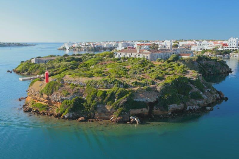 Insel von Isla-del-Ray und von Stadt Maon, Menorca, Spanien stockbilder