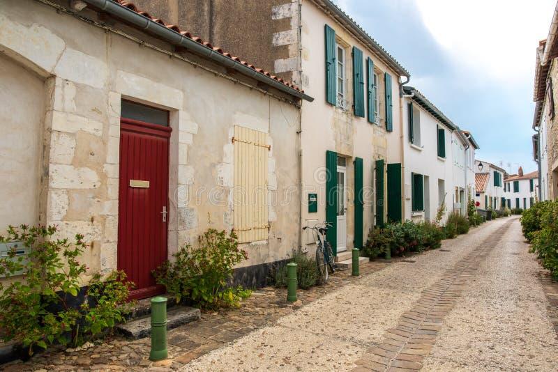 Insel von Re in Frankreich, typische Straße stockfoto