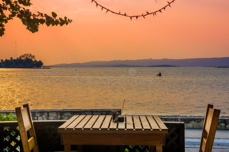 Insel Zentralamerika Isla Des Flores Guatemala stockfotos