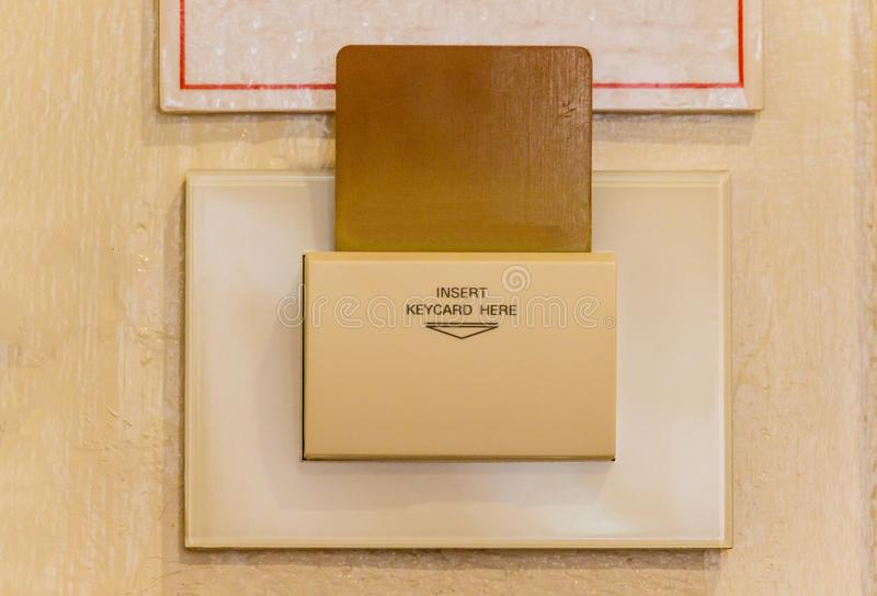 Inserção de Keycard ao interruptor de alimentação para o controle do bonde no th imagens de stock royalty free