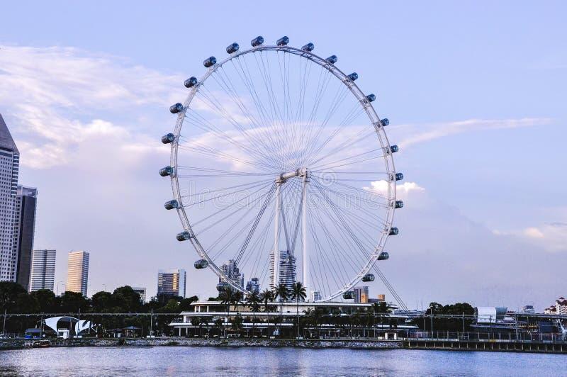 Inseto de Singapura no dia O inseto de Singapura ? um Ferris gigante roda dentro Singapura imagens de stock