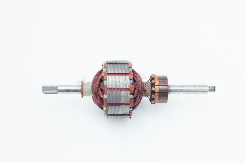 Insida av den elektriska motorn som isoleras på den vita bakgrunden royaltyfri foto