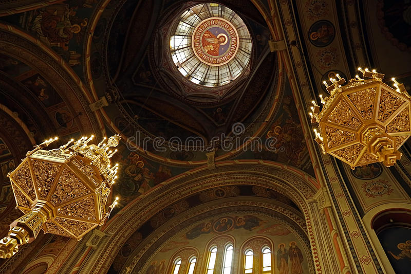Insida i Timisoara den ortodoxa domkyrkan 3 royaltyfria bilder