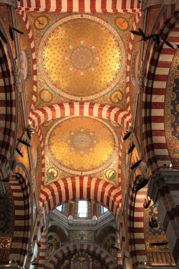 Insida kyrkan arkivfoto