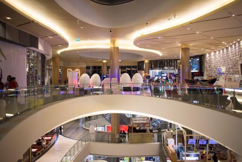 Inside majowie stylu życia centrum handlowe zdjęcie royalty free