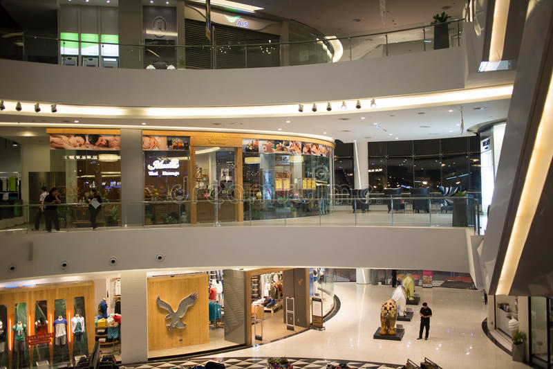 Inside majowie stylu życia centrum handlowe zdjęcia stock