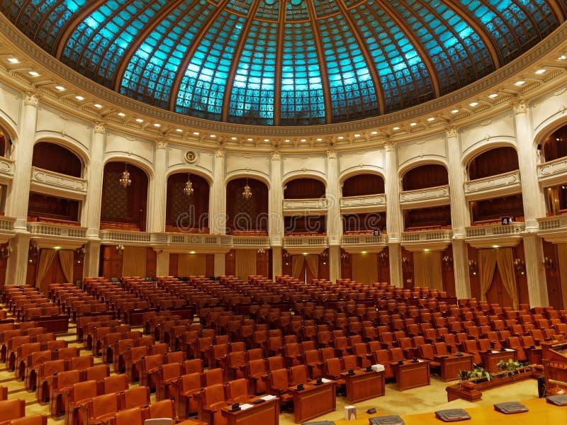 Inside parlamentu dom w Bucharest, Rumunia - sala delegata pokój konferencyjny fotografia royalty free