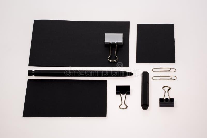 Insieme in bianco e nero classico della cancelleria fotografia stock libera da diritti