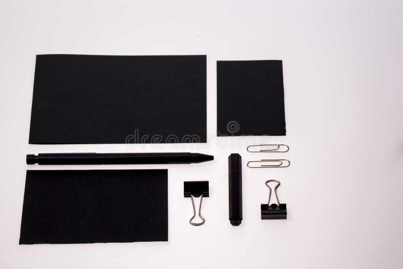 Insieme in bianco e nero classico della cancelleria immagini stock