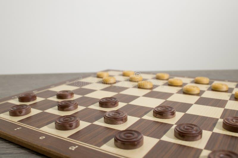 Insieme completo di legno di un gioco di strategia con i pegni fotografia stock libera da diritti