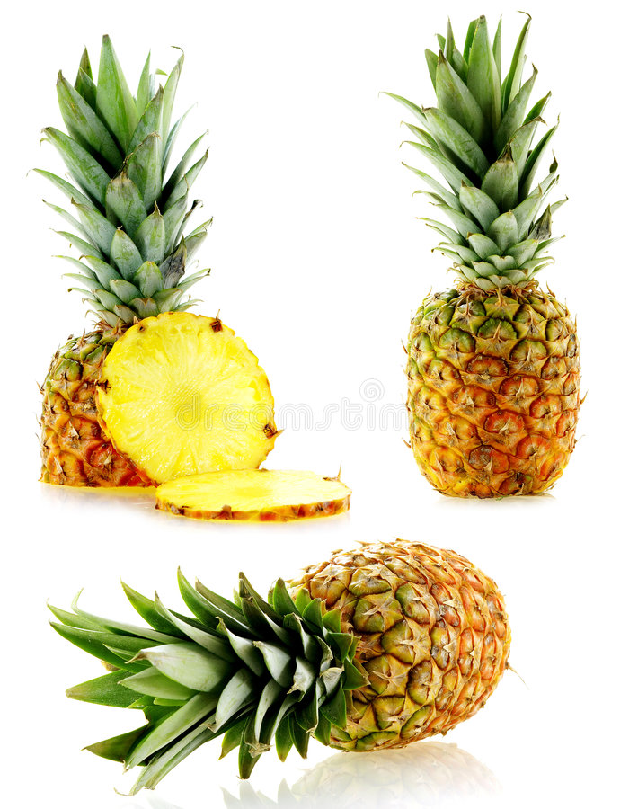 Insieme degli ananas maturi freschi fotografie stock